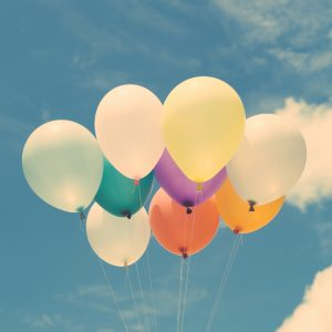 balloons-calm-clouds-colorful-574282